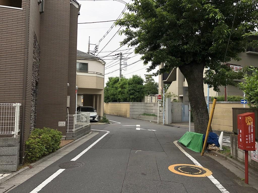 水道道路と妙法寺