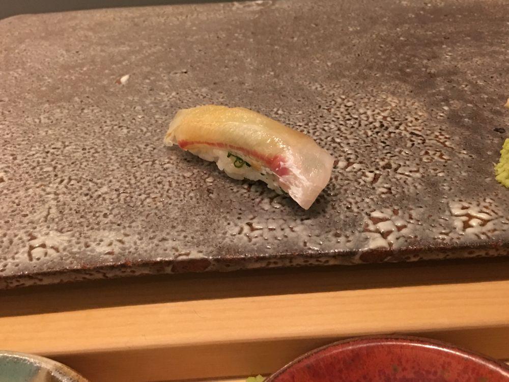 ウェスティン朝鮮ソウルの鮨朝のマダイの握り