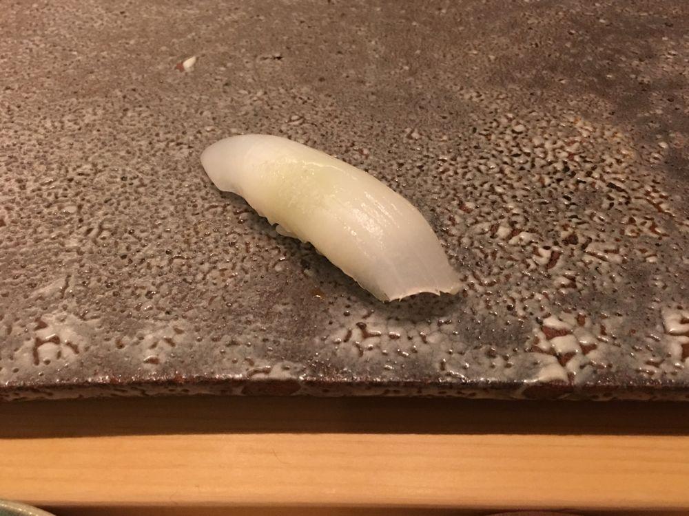ウェスティン朝鮮ソウルの鮨朝のイカの握り