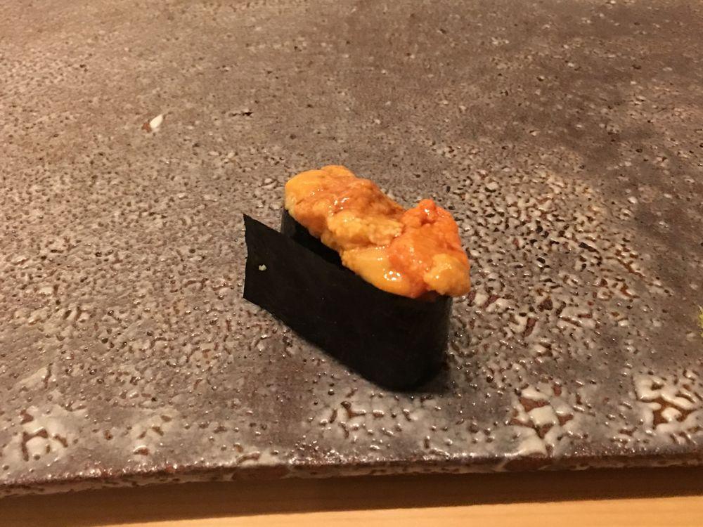 ウェスティン朝鮮ソウルの鮨朝のウニの握り