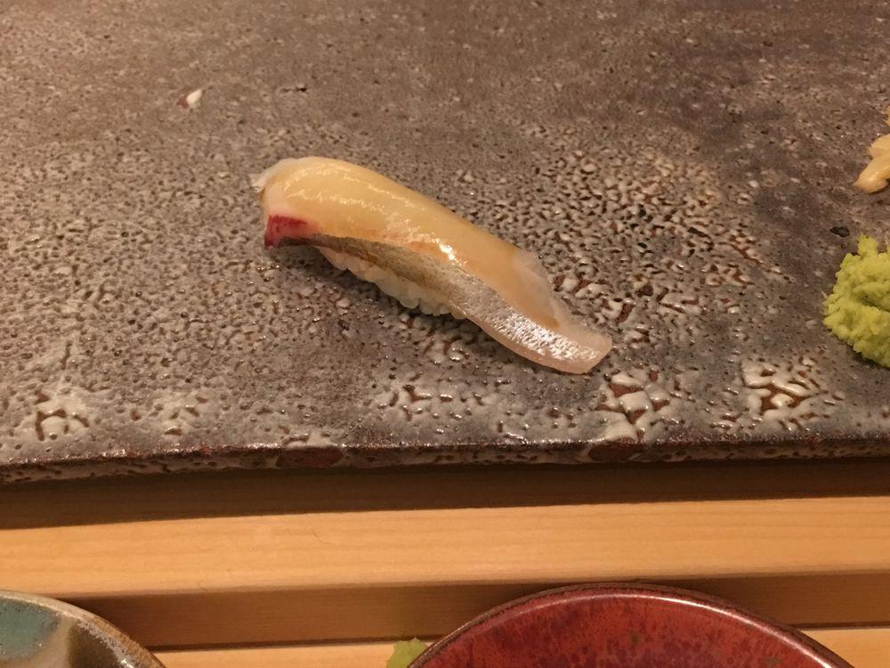 ウェスティン朝鮮ソウルの鮨朝のシマアジの握り