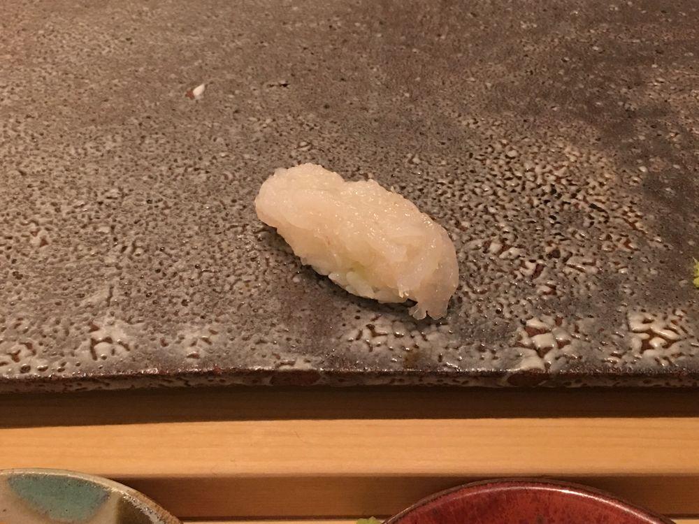 ウェスティン朝鮮ソウルの鮨朝の鮨白エビの握り