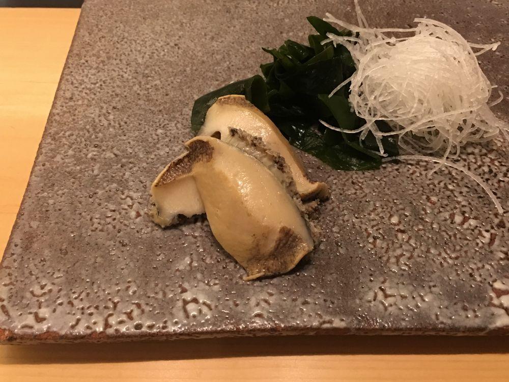 ウェスティン朝鮮ソウルの鮨朝の煮アワビ