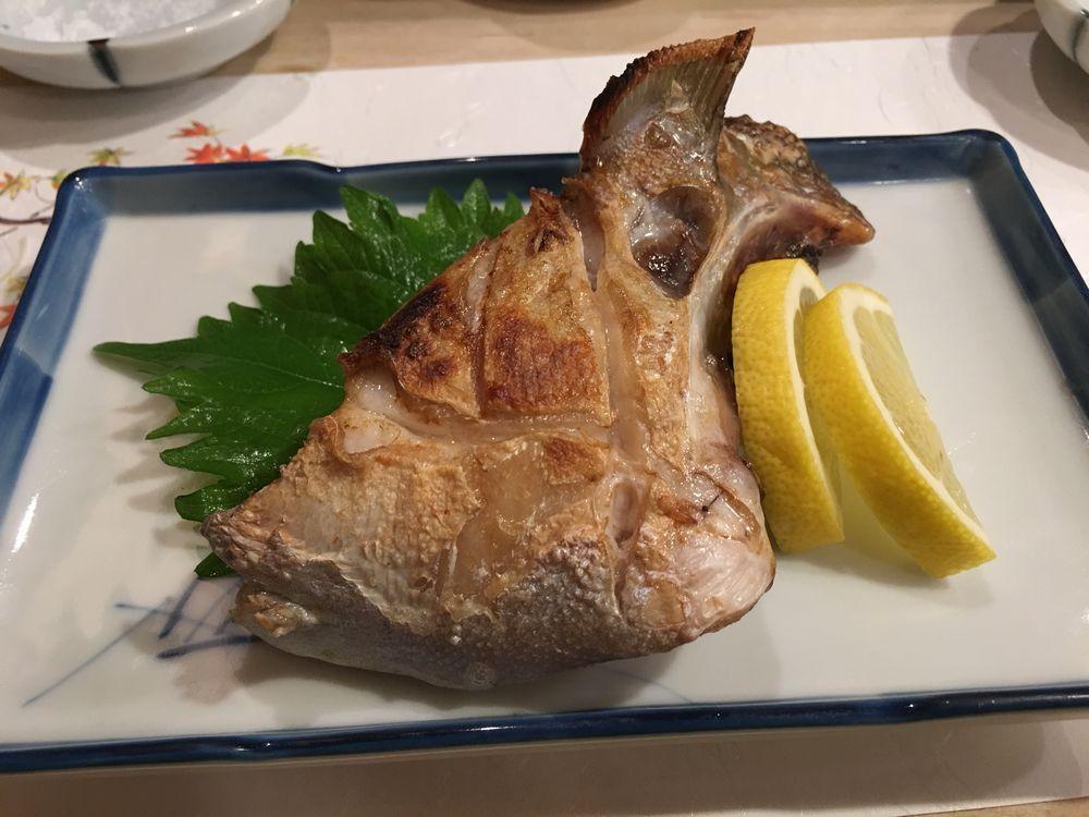 寿司 花一のカンパチの塩焼き