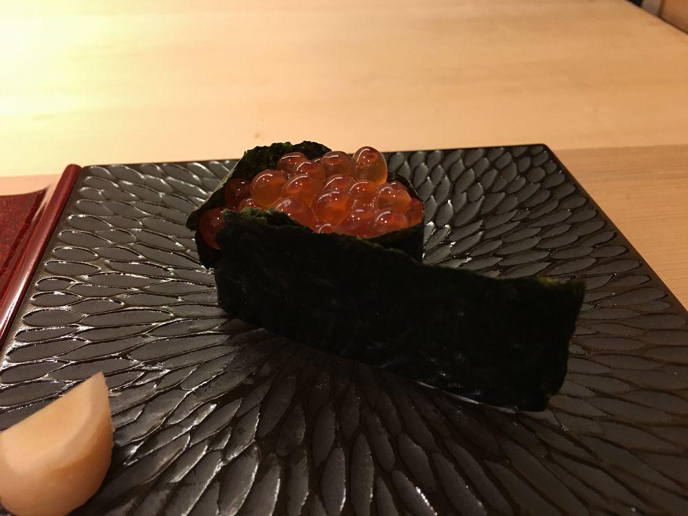 鮨舳のイクラ