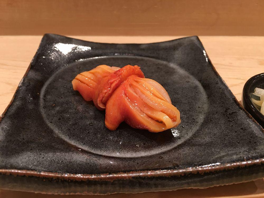薄野 鮨金の赤貝