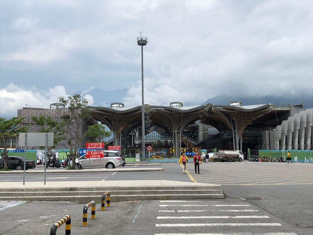 花蓮駅の背景