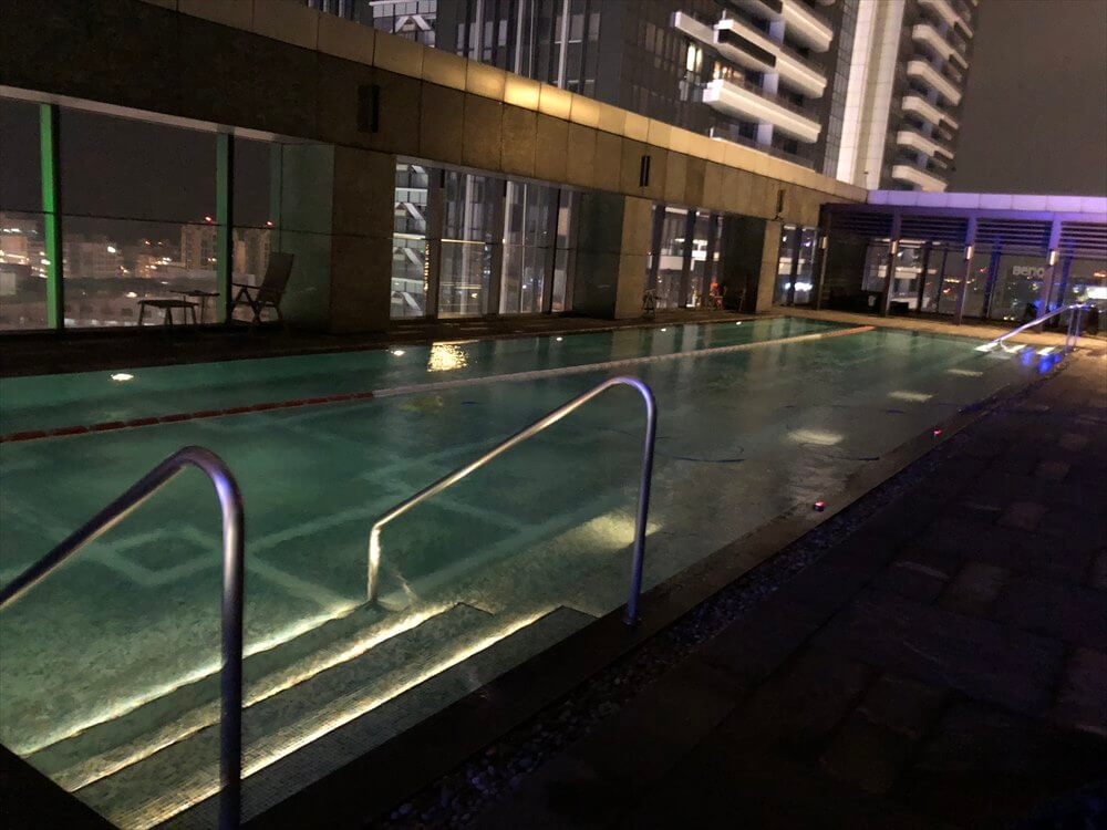 台北マリオットホテルのプール1