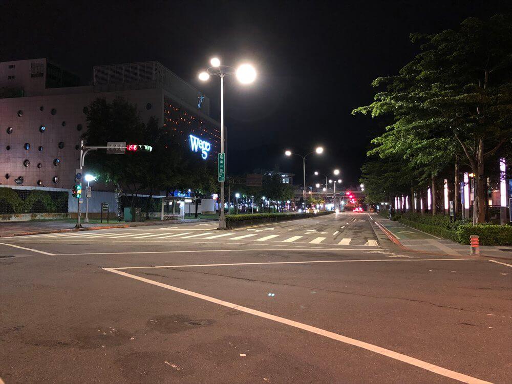夜の台北マリオットホテルの周辺2