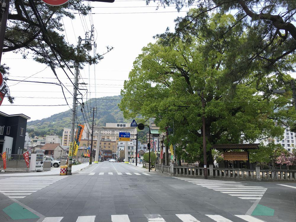 琴平町の高灯籠1