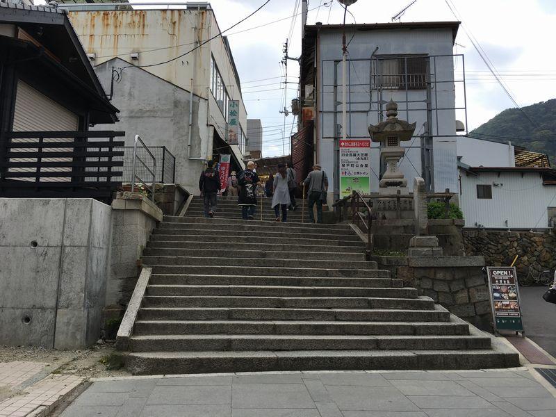 金刀比羅宮の最初の階段