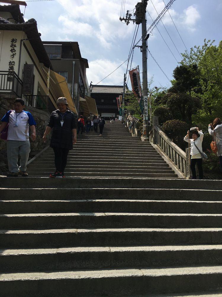 金刀比羅宮の大門に続く階段