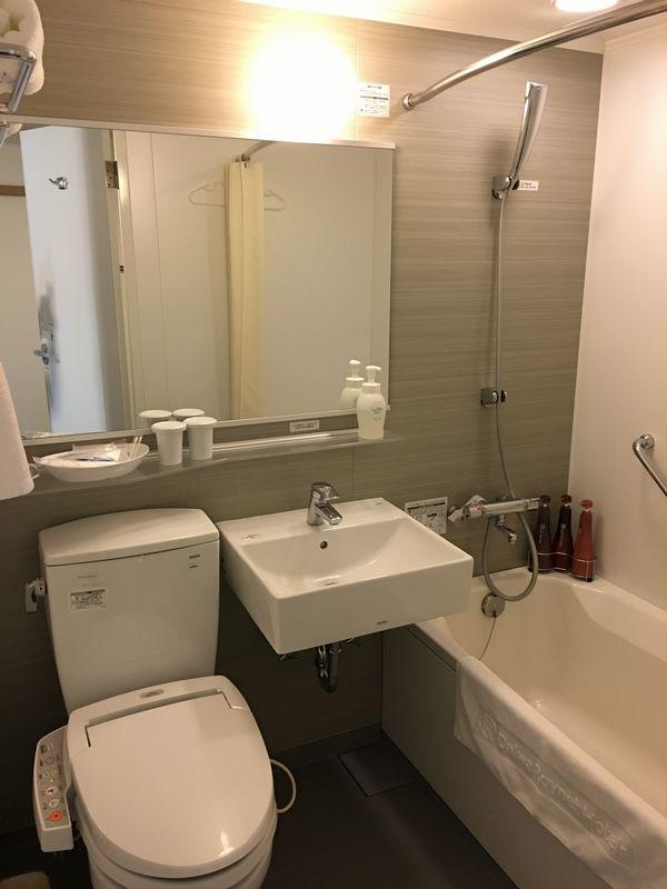 ダイワロイネットホテル高松 モデレートルームのバスルーム