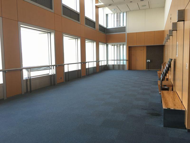 香川県庁舎の無人の展望室