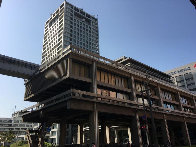 香川県庁舎前