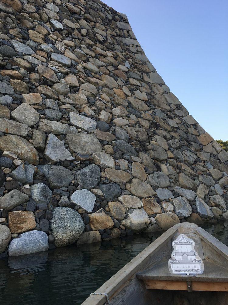 高松城の野面積みの天守台