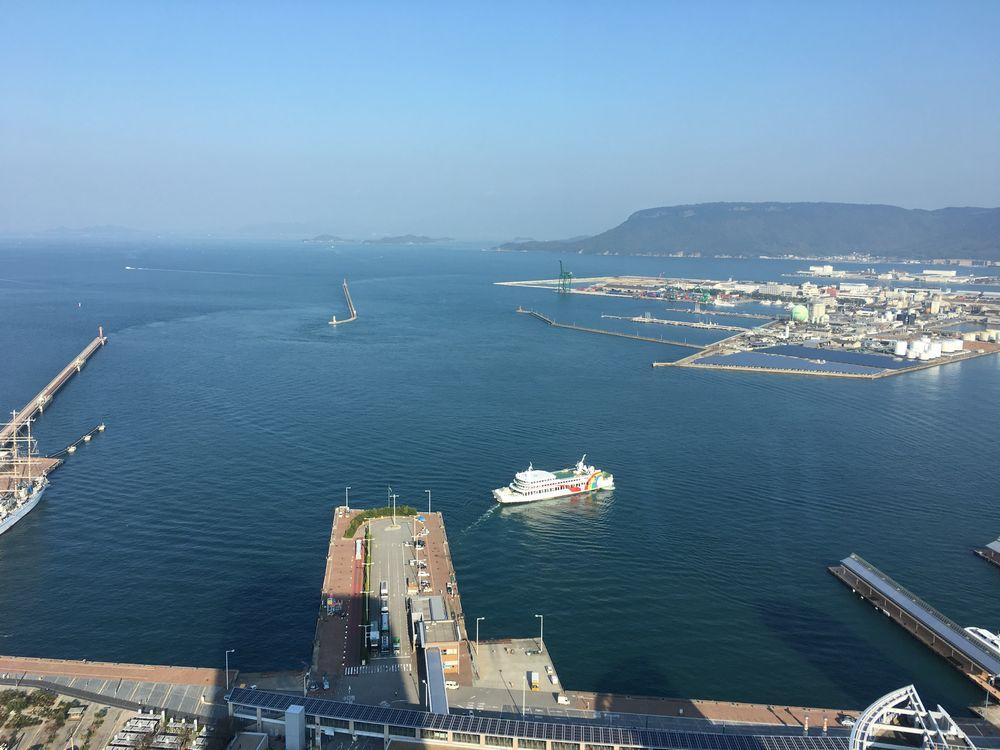 高松シンボルタワーからの瀬戸内海