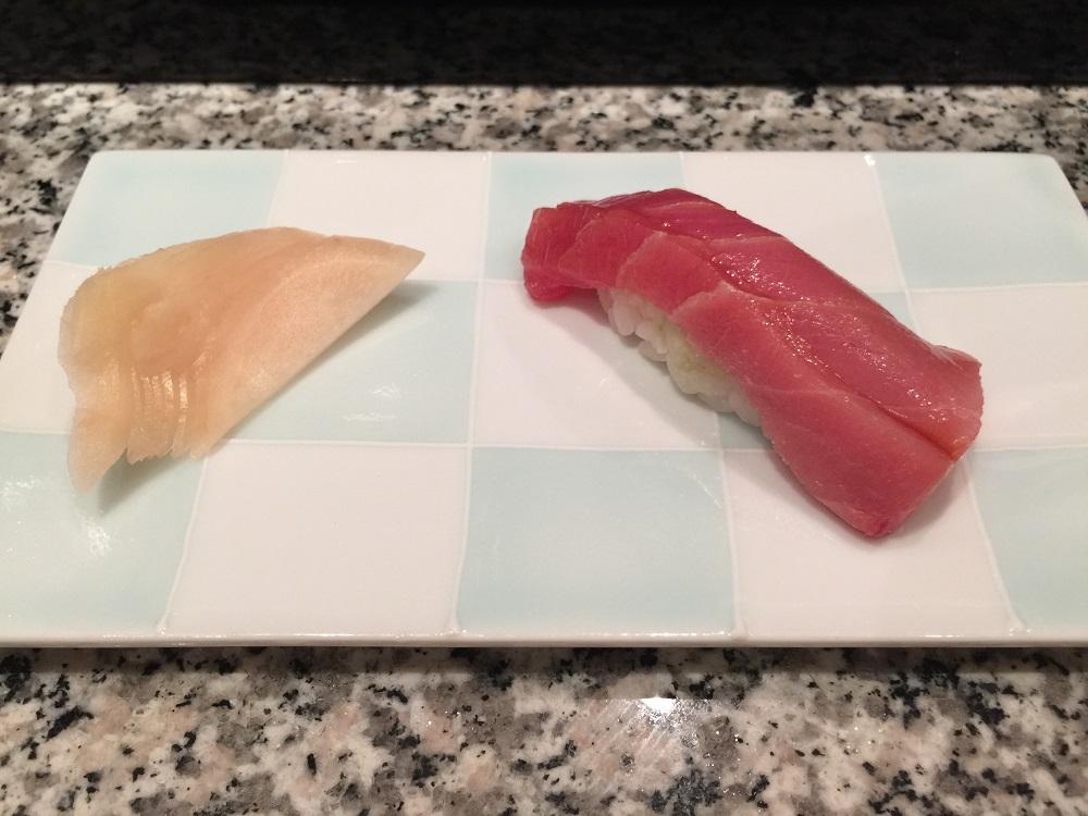 天駒マグロ中トロの寿司