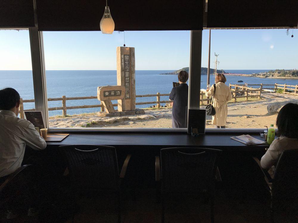 東尋坊のIWABA CAFEからの眺望