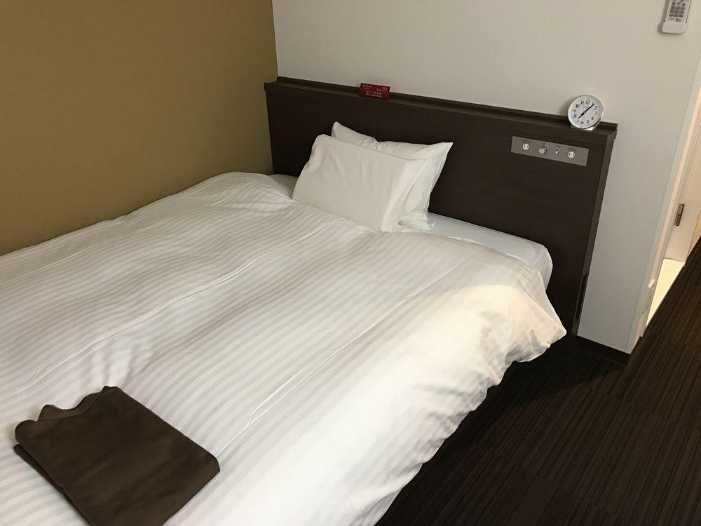 ABホテル金沢の禁煙シングル(ベッド側)