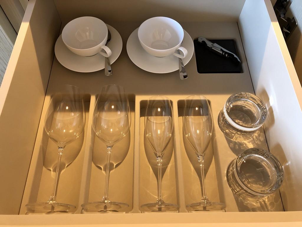 東京エディション虎ノ門のアメニティのグラス類