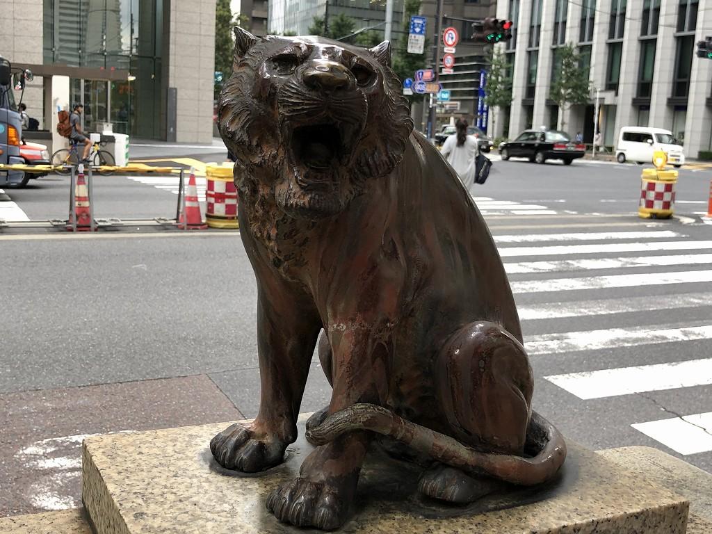 虎ノ門交差点の白虎像