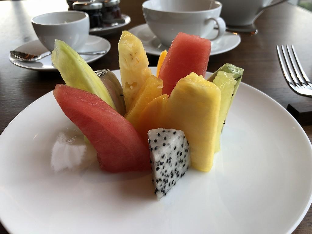 東京エディション虎ノ門のブルーレストランのフルーツセレクション