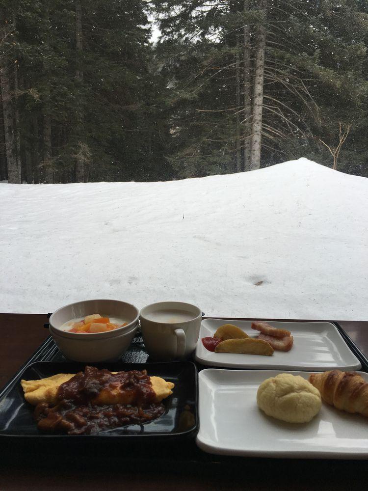 森のレストラン ニニヌプリのカウンター席