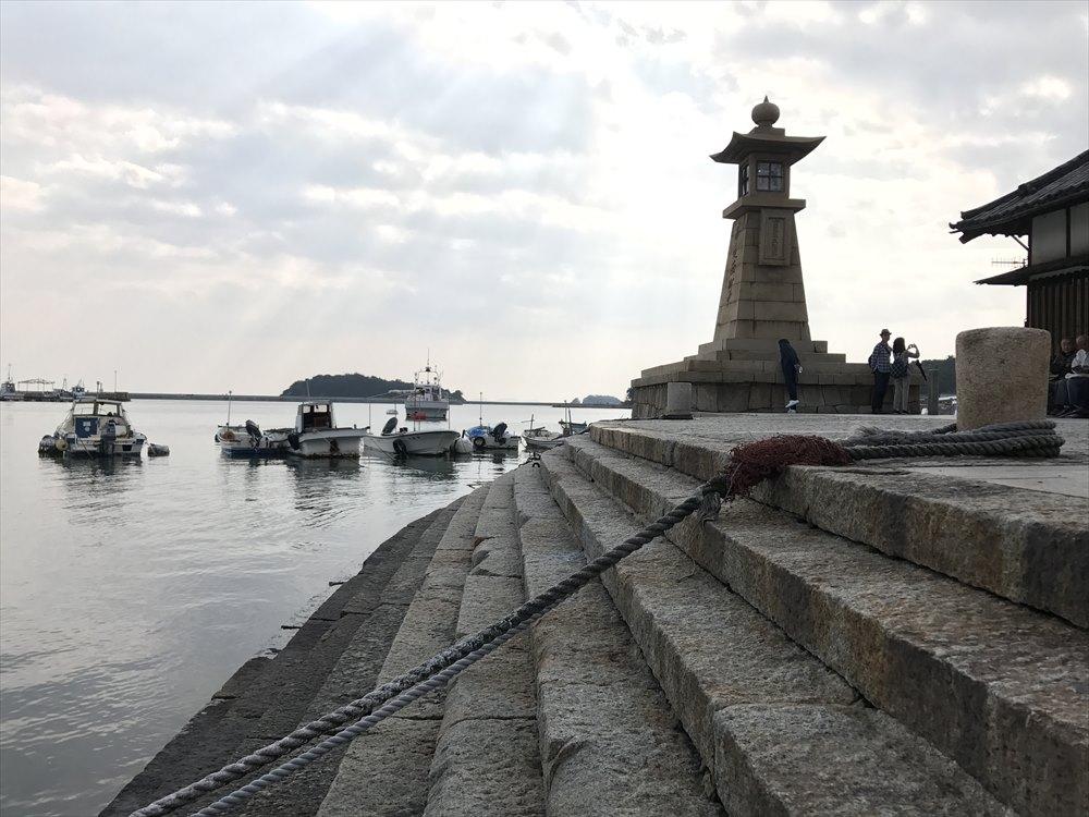 鞆港の雁木と常夜灯2