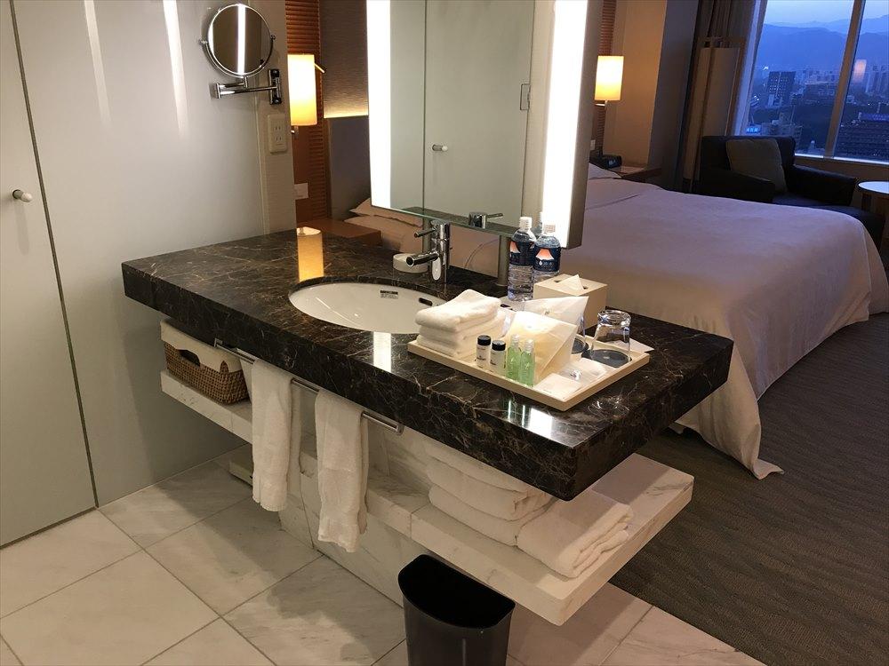 シェラトングランドホテル広島のデラックスルームの洗面所