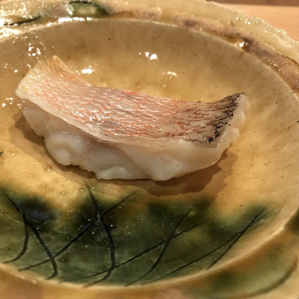 広島の吉鮨のアマダイの塩焼き