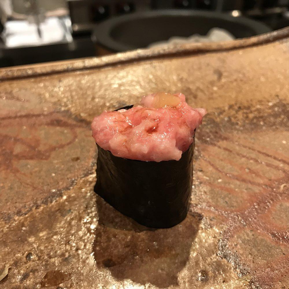 広島の吉鮨のトロタク