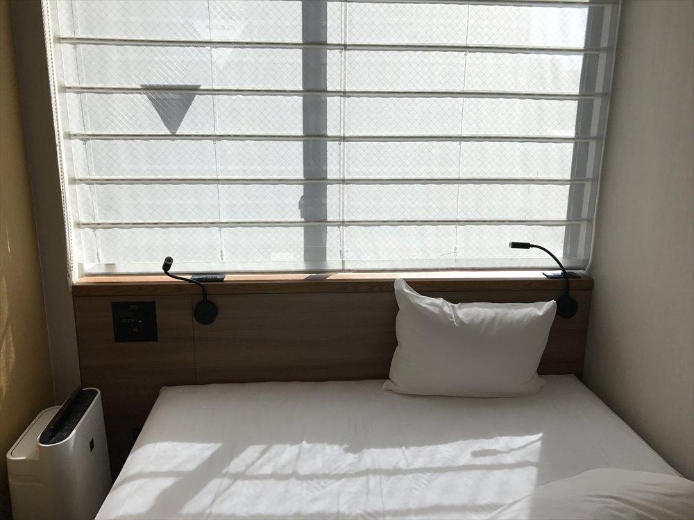 ザ・ビー福岡天神の遮光性の低いカーテン