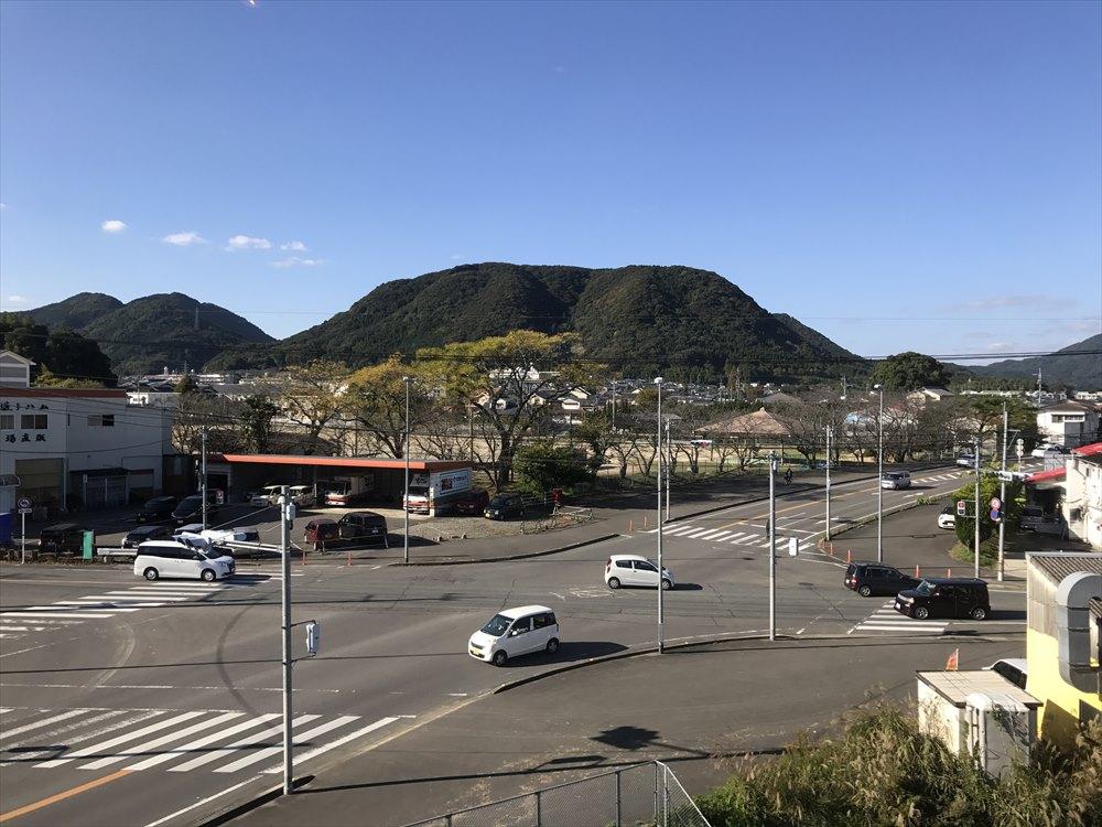 電車から見た武雄市の町並み