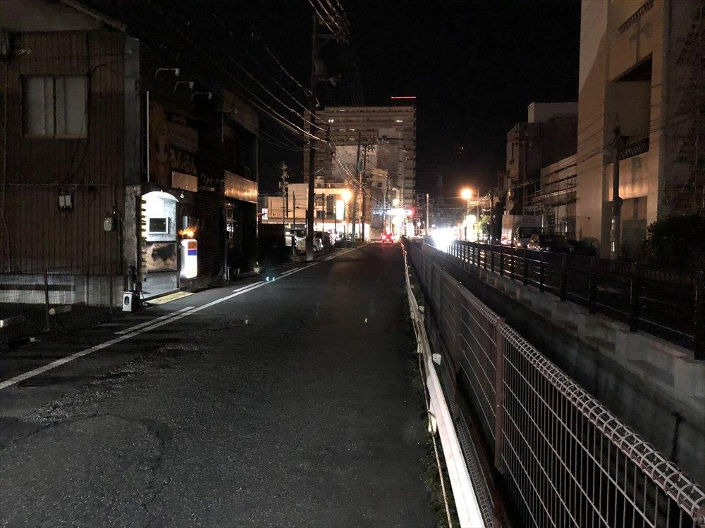 鳥取市内の暗い街路