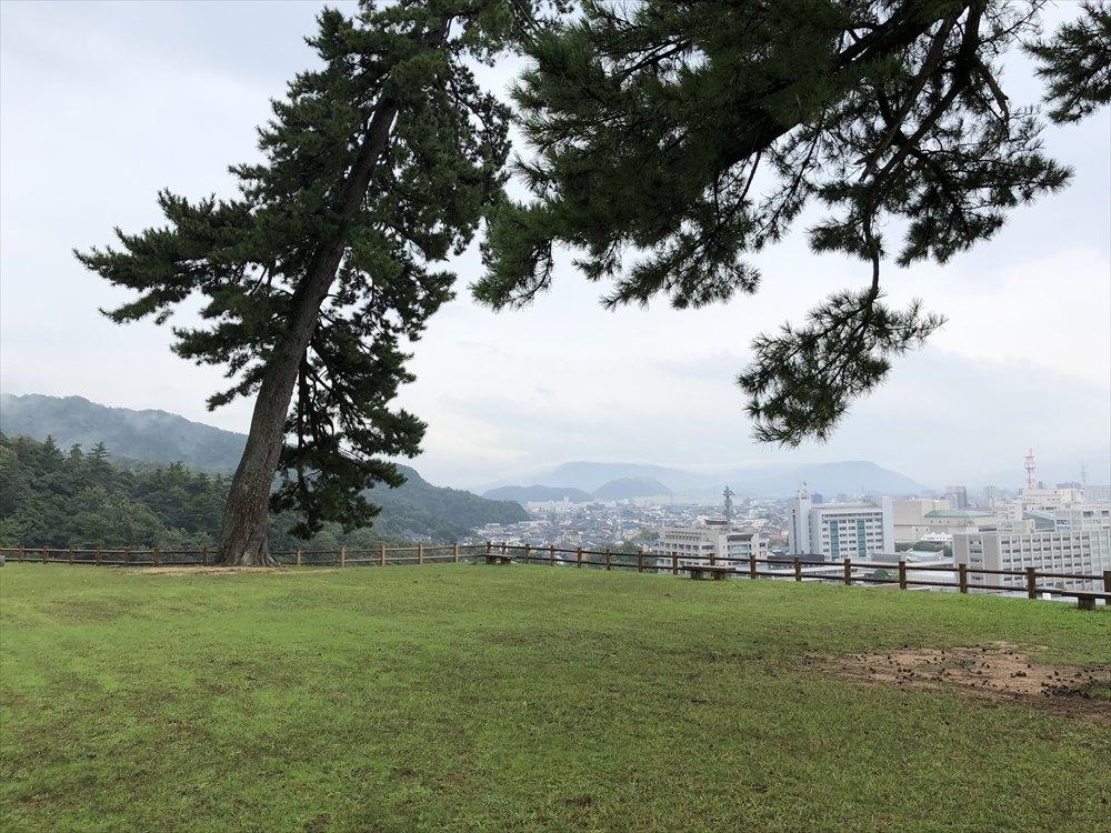 鳥取城の天球丸へ3