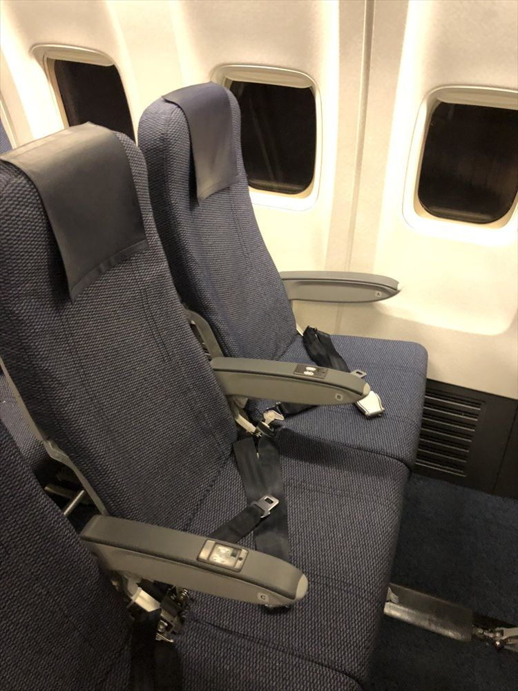 ANA298便の普通席