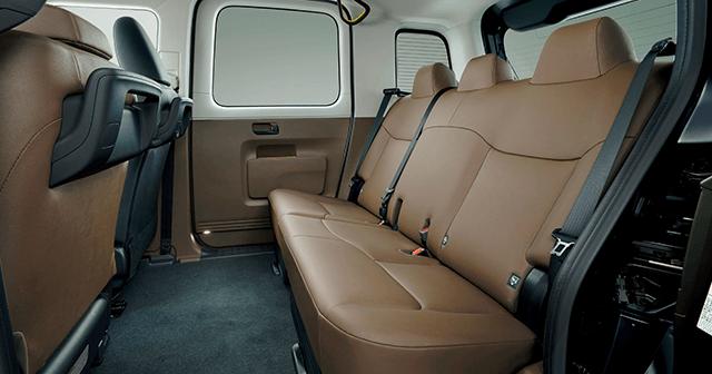 トヨタのジャパンタクシーの後部座席