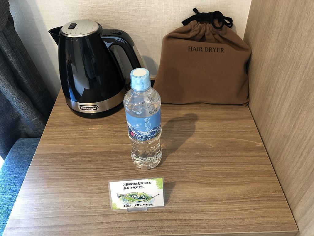 アットインホテル豊田市駅のダブルルームの電子ケトル
