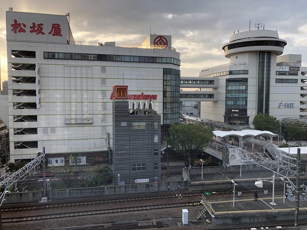 アットインホテル豊田市駅のダブルルームから駅前