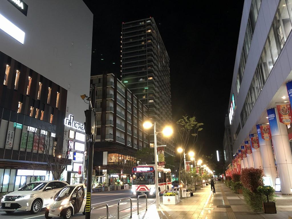 夜の豊田市駅前1