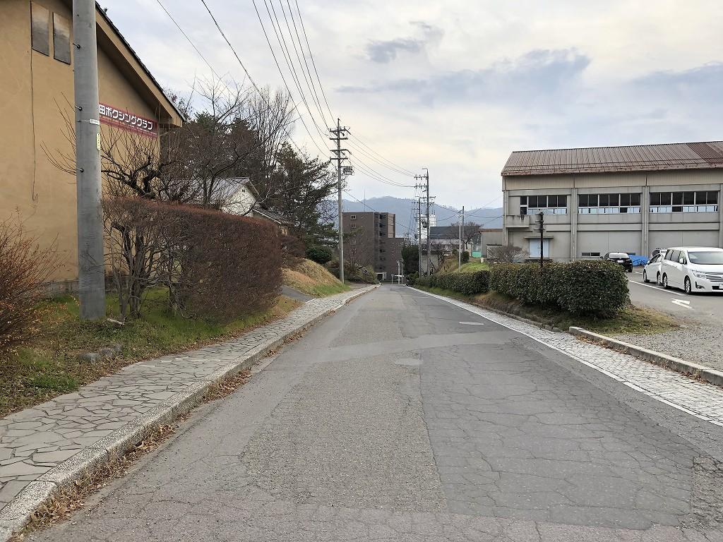 上田城の下り坂