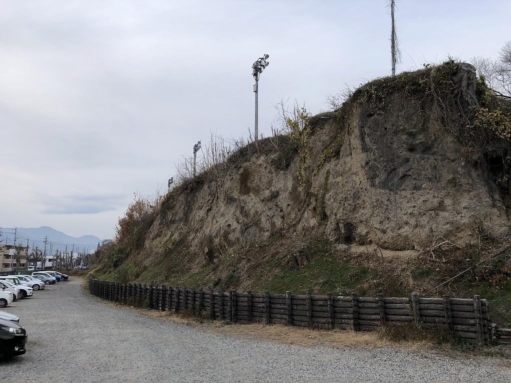 上田城の尼ヶ淵の崖1