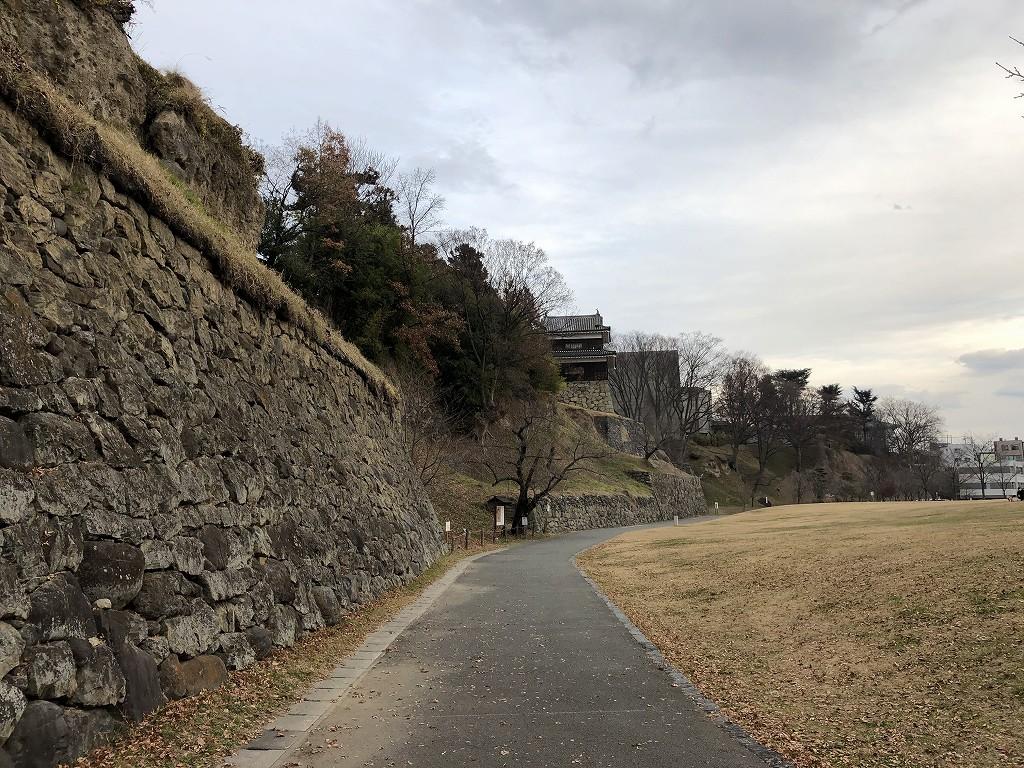 上田城の尼ヶ淵の崖6