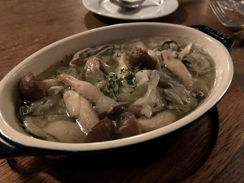 上田の「Fika」の前菜の牡蠣のオイル煮