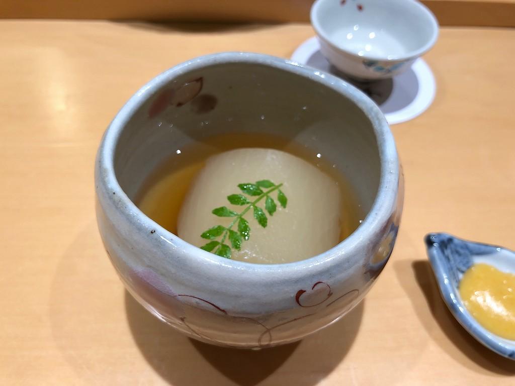 金沢の「すし屋 小桜」の大根