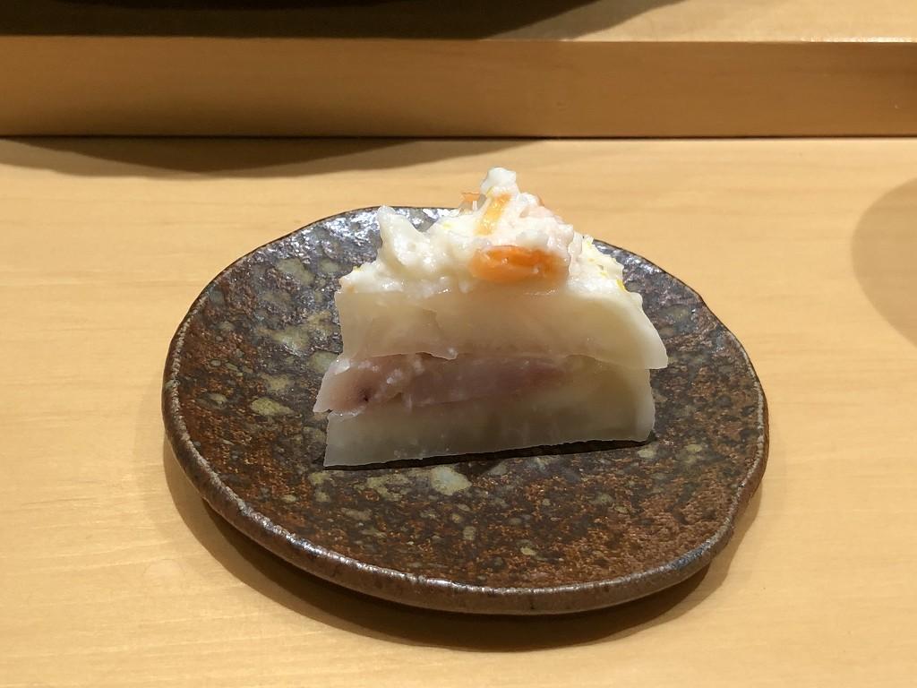 金沢の「すし屋 小桜」のかぶら寿司