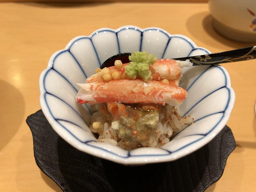 金沢の「すし屋 小桜」の香箱蟹