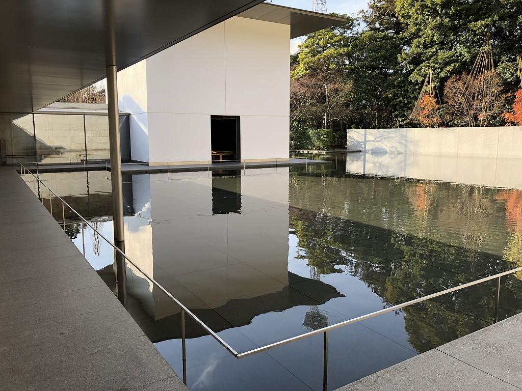 鈴木大拙館の水鏡の庭3
