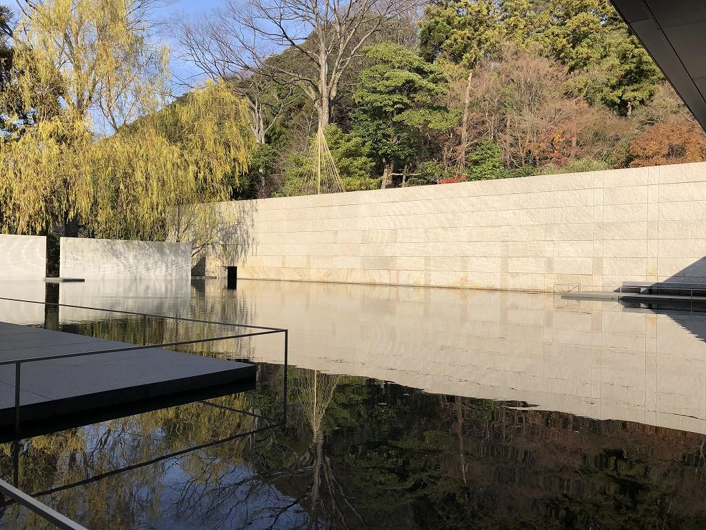 鈴木大拙館の水鏡の庭4